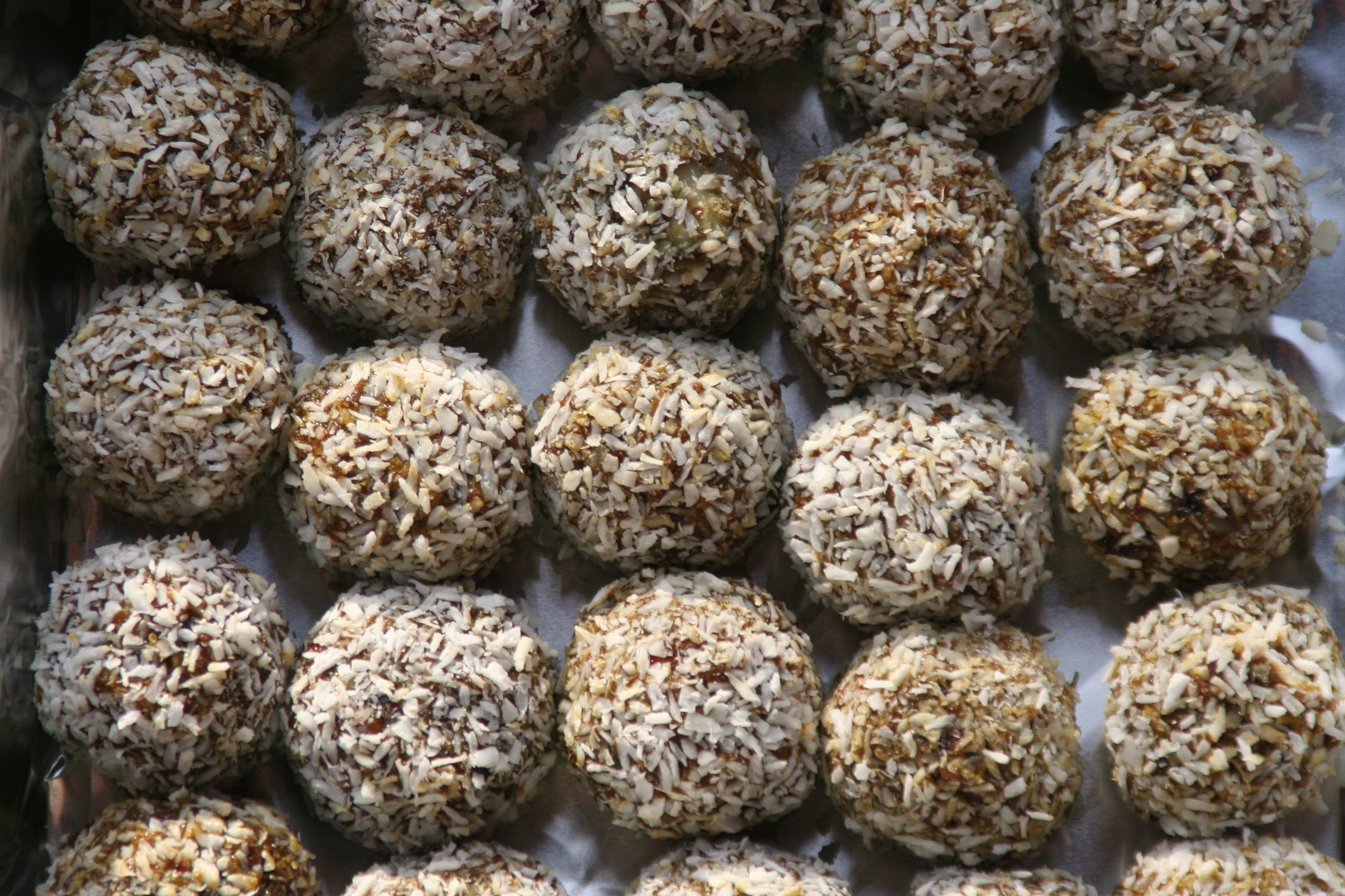 Ayurvedicyogi recipes raw energy balls forumfinder Image collections